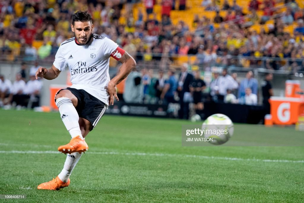 Benfica's Eduardo Salvio scores the winning goal in the shoot out against Borussia Dortmund during the 2018 International Champions Cup at Heinz Field in Pittsburg, Pennsylvania, on July 25, 2018.
