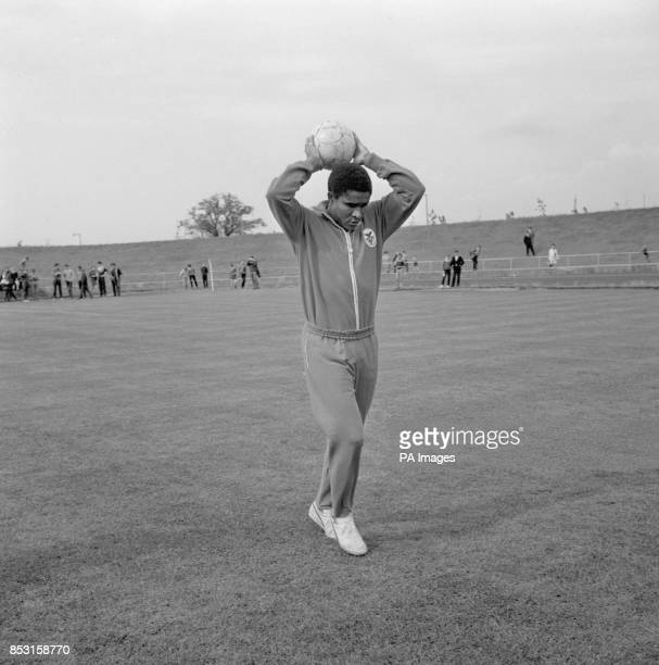 Benfica's Eusebio in training at Harlow Sports Centre in Essex in preparation for the team's meeting with Manchester United in the European Cup Final