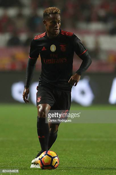 Benfica's forward Andre Carrillo from Paraguay during the SL Benfica v CS Maritimo Portuguese Cup round 4 match at Estadio da Luz on November 19 2016...
