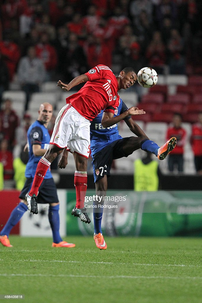 Benfica's forward Derley vies Monaco's midfielder Geoffrey Kondogbia during the UEFA Champions League match between SL Benfica and AS Monaco at the Estadio da Luz on November 4, 2014 in Lisbon, Portugal.