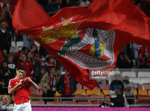 Benfica's forward from Mexico Raul Jimenez celebrates after scoring a goal during the Taca CTT match between SL Benfica and SC Braga at Estadio da...