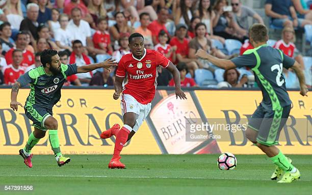 Benfica's forward from Peru Carrillo with Vitoria Setubal's forward Costinha in action during the Algarve Football Cup Pre Season Friendly match...