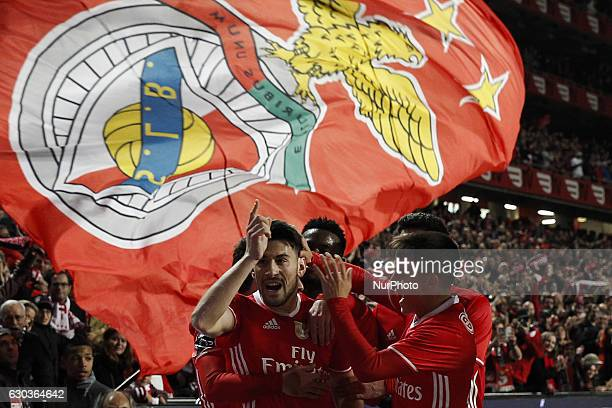 Benfica's forward Pizzi celebrates his goal with Benfica's midfielder Franco Cervi during Premier League 2016/17 match between SL Benfica vs Rio Ave...