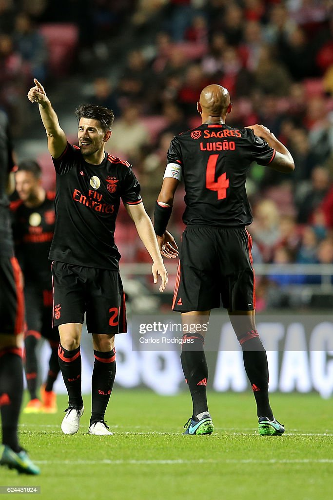 Benfica's forward Pizzi from Portugal celebrates scoring Benfica«s second goal during the SL Benfica v CS Maritimo - Portuguese Cup round 4 match at Estadio da Luz on November 19, 2016 in Lisbon, Portugal.