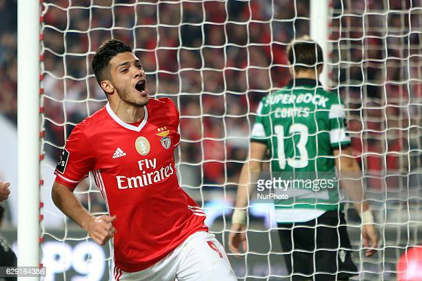 Benfica's forward Raul Jimenez celebrates after scoring a goal during the Portuguese League football match SL Benfica vs Sporting CP at the Luz...