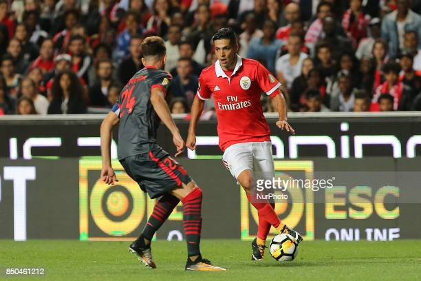 Benficas forward Raul Jimenez from Mexico and Bragas defender Ricardo Ferreira from Portugal during the Portuguese Cup 2017/18 match between SL...
