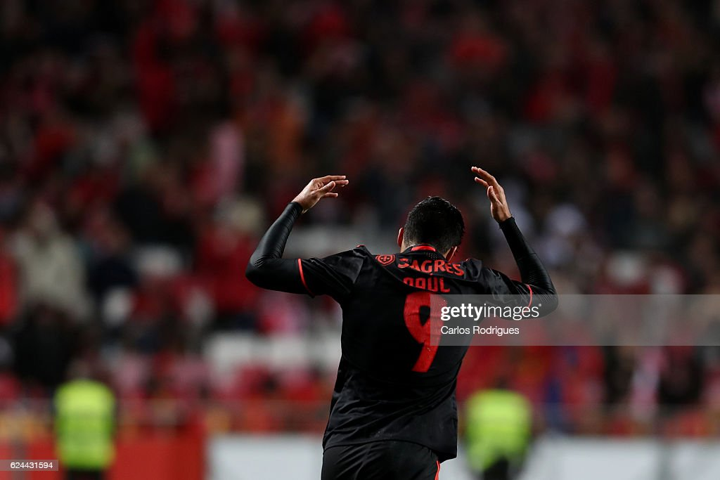 Benfica's forward Raul Jimenez from Mexico celebrates scoring Benfica«s fifth goal during the SL Benfica v CS Maritimo - Portuguese Cup round 4 match at Estadio da Luz on November 19, 2016 in Lisbon, Portugal.