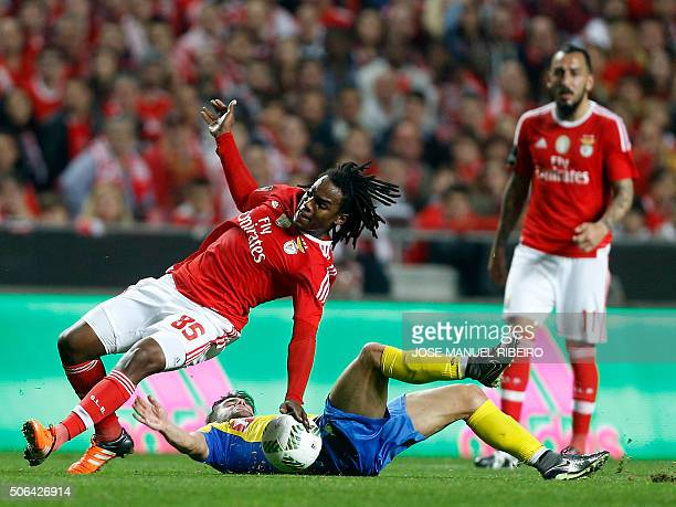 Benfica's forward Renato Sanches vies with Arouca's Argentinian forward Ivo Rodrigues during the Portuguese league football match SL Benfica vs FC...
