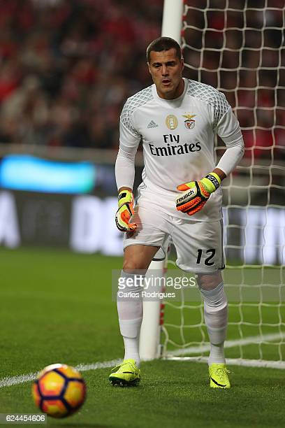 Benfica's goalkeeper Julio Cesar from Brasil during the SL Benfica v CS Maritimo Portuguese Cup round 4 match at Estadio da Luz on November 19 2016...