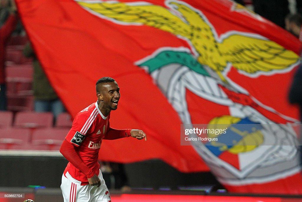 SL Benfica v CS Maritimo - Primeira Liga