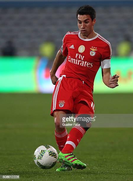 Benfica's midfielder from Argentina Nico Gaitan in action during the Primeira Liga match between Os Belenenses and SL Benfica at Estadio do Restelo...