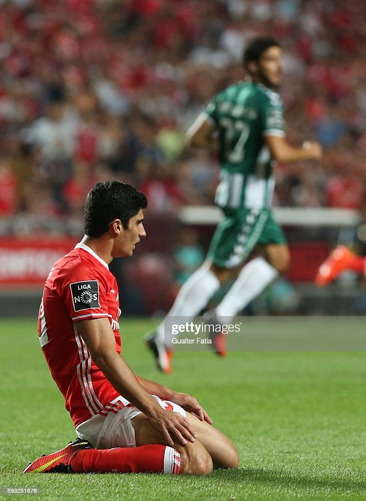 SL Benfica's midfielder Goncalo Guedes reaction after missing a goal opportunity during the Primeira Liga match between SL Benfica and Vitoria de Setubal at Estadio da Luz on August 21, 2016 in Lisbon, Portugal.