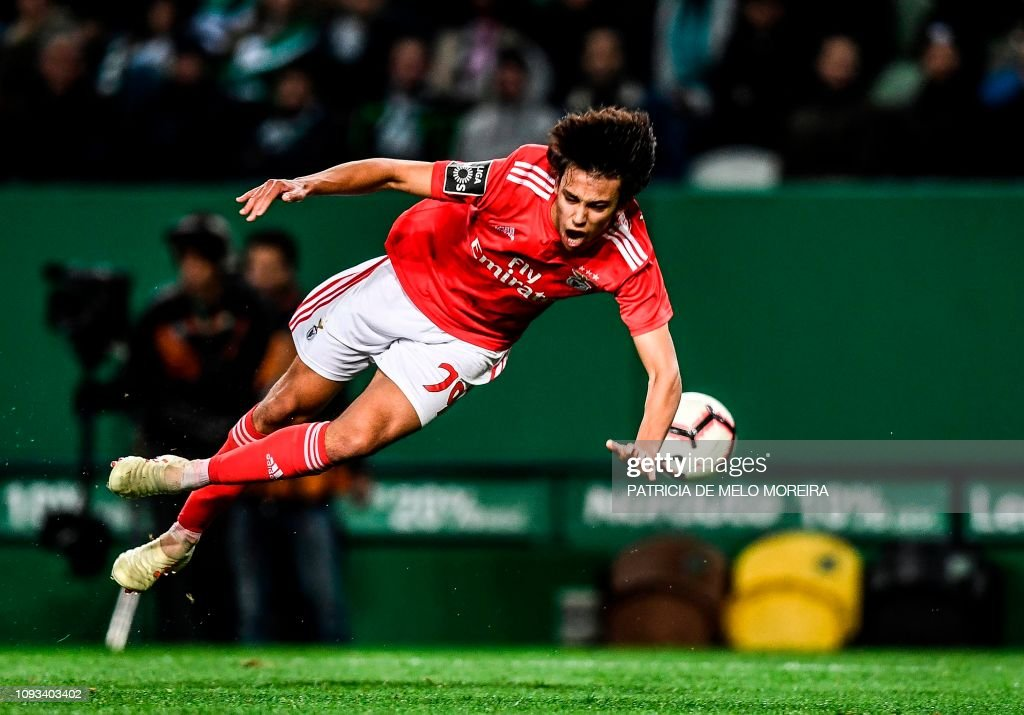 FBL-POR-LIGA-SPORTING-BENFICA : News Photo