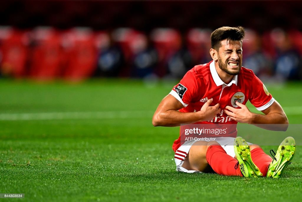 Benfica's midfielder Pizzi Fernandes gestures after missing a goal opportunity during the Portuguese league football match SL Benfica vs Portimonense SAD at the Luz stadium in Lisbon on September 8, 2017. /