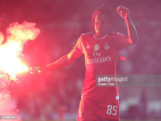 Benfica's midfielder Renato Sanches celebrates after the goal during the Primeira Liga match between Rio Ave FC and SL Benfica at Estadio dos Arcos...