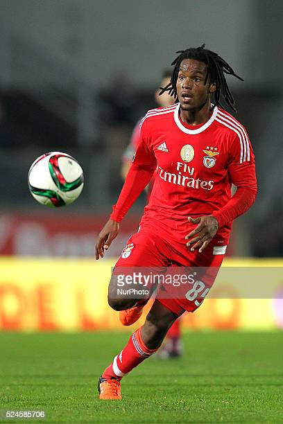 Benfica's midfielder Renato Sanches in action during the Premier League 2015/16 match between Vitoria de Guimaraes and SL Benfica at D Afonso...