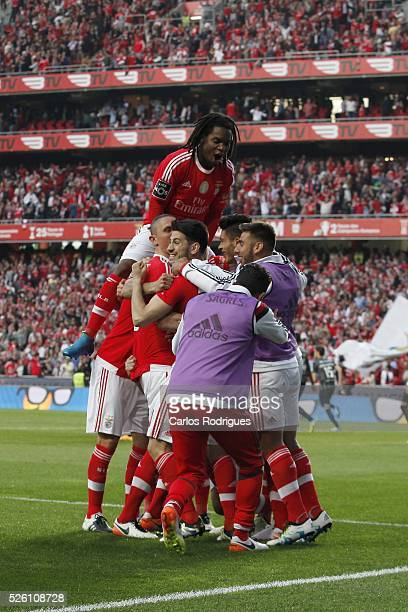 Benfica's players celebrating Benfica's goal scored by Benfica's defender Jardel Vieira during the match between SL Benfica and Vitoria de Guimaraes...