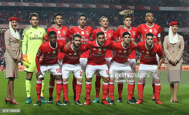 Benfica's players pose for a team photo before the start of the Primeira Liga match between SL Benfica and Sporting CP at Estadio da Luz on December...
