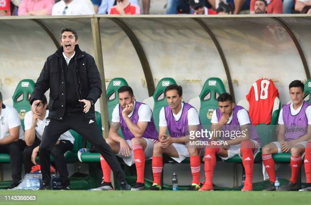 Benfica's Portuguese coach Bruno Lage gestures from the sideline during the Portuguese league football match Rio Ave FC vs SL Benfica at the Dos...