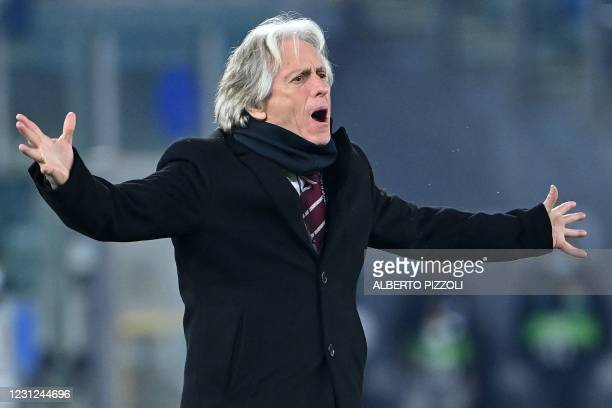 Benfica's Portuguese coach Jorge Jesus reacts during the UEFA Europa League round of 32 first leg football match between SL Benfica and Arsenal at...