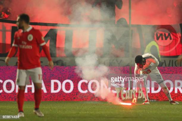 Benfica's Portuguese goalkeeper Bruno Varela during the Premier League 2017/18 match between Pacos Ferreira and SL Benfica at Mata Real Stadium in...