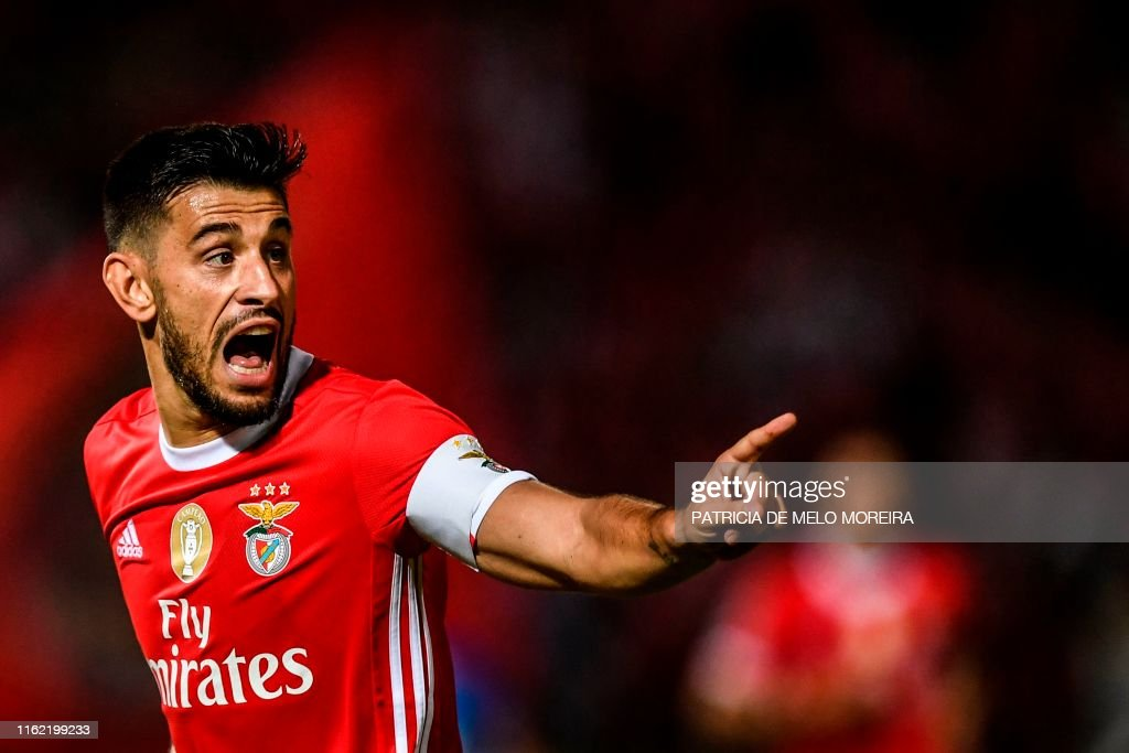 FBL-POR-LIGA-BELENENSES-BENFICA : News Photo
