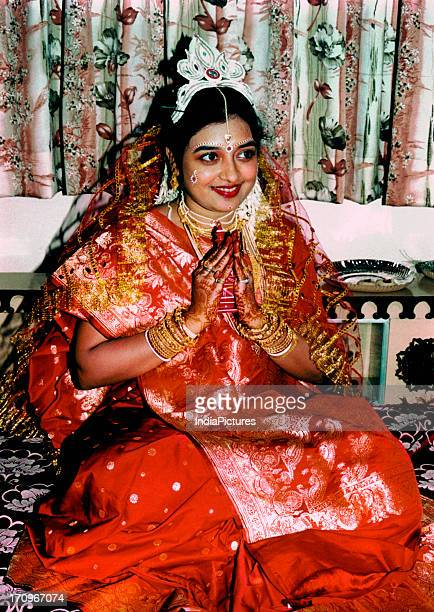 Bengali bride on the day of marriage The 'welcome' posture to all invited guests by the bride