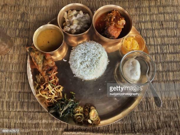 bengali thali - westbengalen stock-fotos und bilder