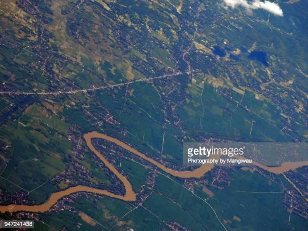 bengawan solo river - homo sapiens foto e immagini stock