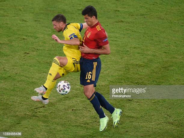 Bengt Erik Markus Berg of Sweden and Rodri Hernandez of Spain during the match between Spain and Sweden of Euro 2020, group E, matchday 1, played at...