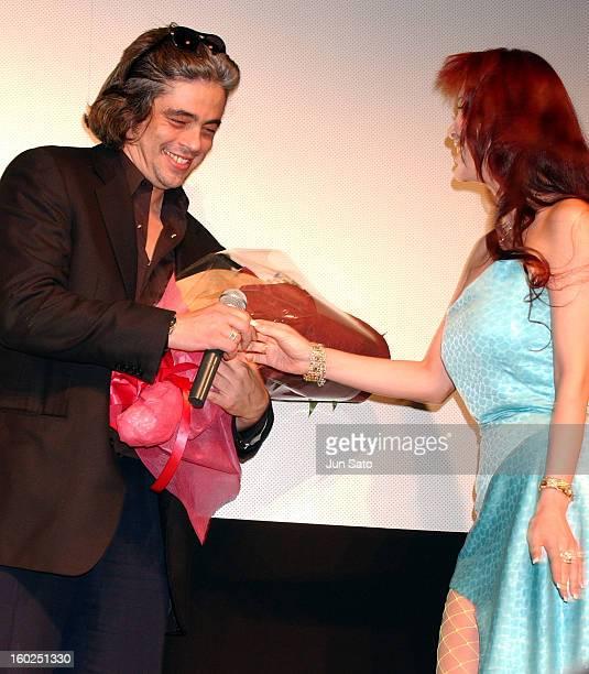"Benicio Del Toro and Mika Kanou during ""21 Grams"" Tokyo Premiere - Inside at Hitotsubashi Hall in Tokyo, Japan."