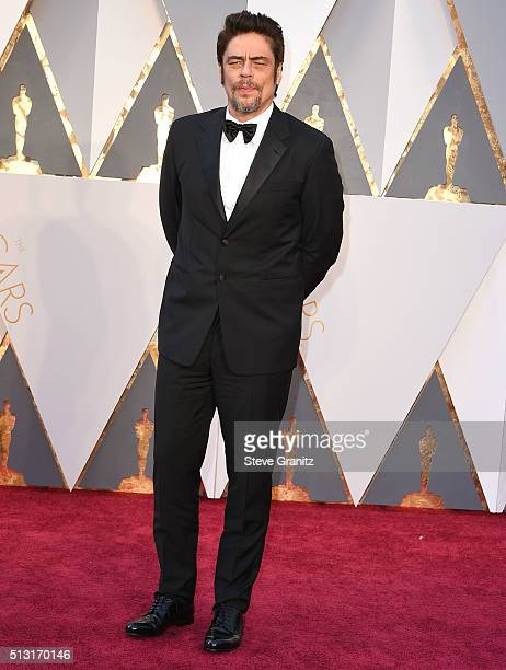 Benicio Del Toro arrives at the 88th Annual Academy Awards at Hollywood Highland Center on February 28 2016 in Hollywood California