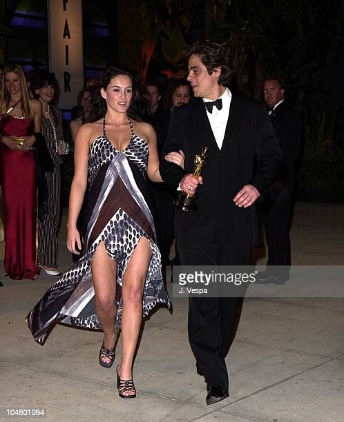 Benicio Del Toro during 2001 Vanity Fair Oscar Party Arrivals at Morton's Restaurant in Beverly Hills California United States