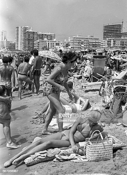 Benidorm fotograf as e im genes de stock getty images - Stock uno alicante ...
