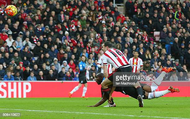 Benik Afobe of Bournemouth heads the ball to score his team's first goal during the Barclays Premier League match between Sunderland and AFC...