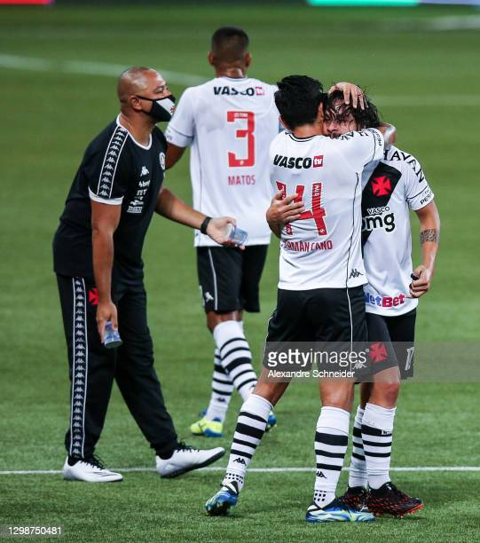 Benitez of Vasco da Gama celebrates with his team mates after scoring the first goal of their team during a match between Palmeiras and Vasco da Gama...