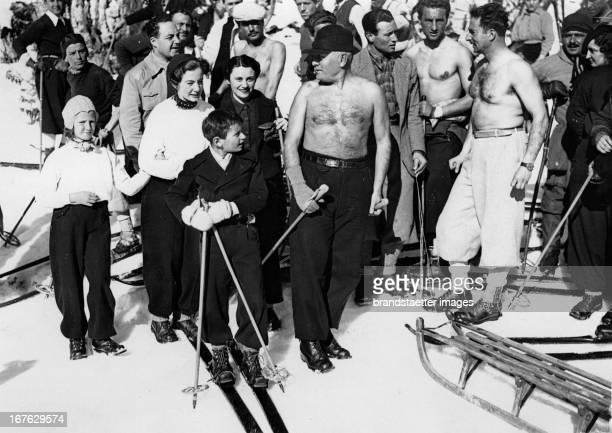 Benito Mussolini as a skier on the Monte Terminillo Photograph January 21th 1937 Benito Mussolini beim Skifahren am Monte Terminillo Photographie...