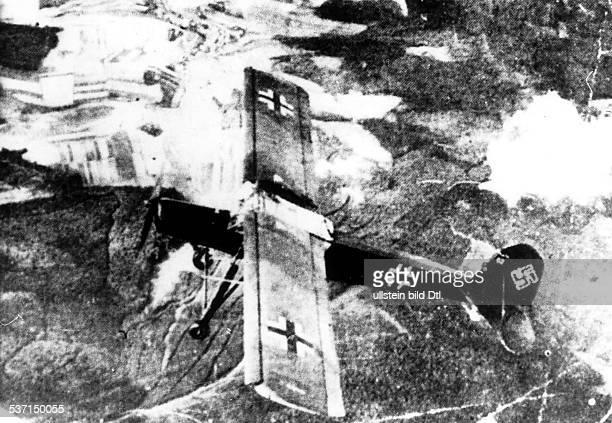 Benito Mussolini , , Politiker, Italien, 1925-1943/45 Diktator Italiens, Abflug des Fluzeugs vom Typ 'Fieseler, Storch' von dem Bergplateau in der...