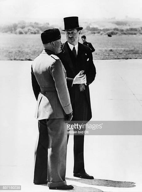Benito Mussolini , , Politiker, Italien, 1925-1943/45 Diktator Italiens, - mit dem deutschen Botschafter beim Quirinal, Dr. Ulrich v. Hassell , auf...