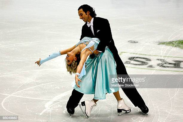 Benjamin Agosto and Tanith Belbin compete in the Compulsory Dance during the CancerNet Skate America at Herb Brooks Arena on November 13 2009 in Lake...