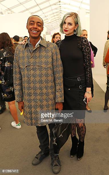 Vip Private View: Frieze Art Fair 2016 Vip Private View Stock Photos And