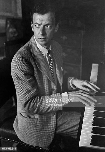 Benjamin Britten Plays the Piano