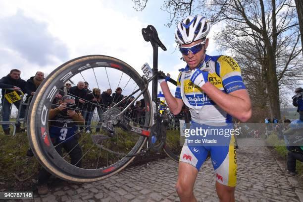 Benjamin Declercq of Belgium and Team Sport Vlaanderen - Baloise / Mechanical Problem / Koppenberg / during the 102nd Tour of Flanders 2018 - Ronde...