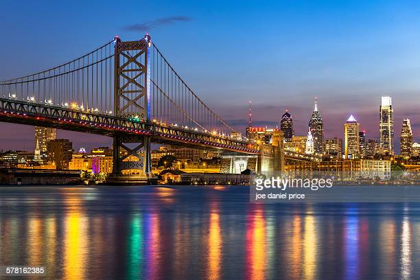 benjamin franklin bridge, philadelphia, america - philadelphia pennsylvania stock pictures, royalty-free photos & images