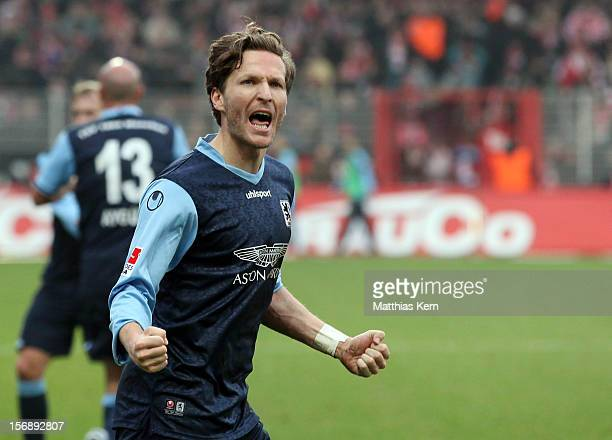 Benjamin Lauth of Muenchen jubilates after scoring the third goal during the Second Bundesliga match between 1FC Union Berlin and TSV 1860 Muenchen...