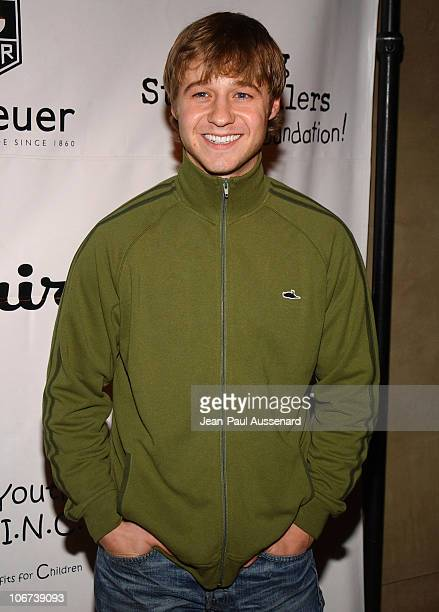Benjamin McKenzie during The Cast of The OC at Esquire House Los Angeles to Benefit Young Storytellers Program Arrivals at Esquire House Los Angeles...