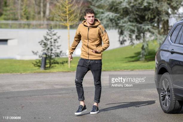 Benjamin Pavard of France arrives at on March 18 2019 in ClairefontaineenYvelines France