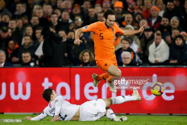 Benjamin Pavard of France Daley Blind of Holland during the UEFA Nations league match between Holland v France at the Feyenoord Stadium on November...