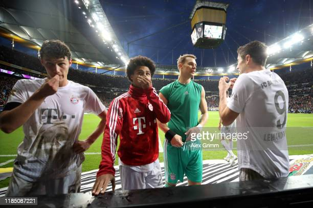 Benjamin Pavard Serge Gnabry Manuel Neuer and Robert Lewandowski of Muenchen react after the Bundesliga match between Eintracht Frankfurt and FC...