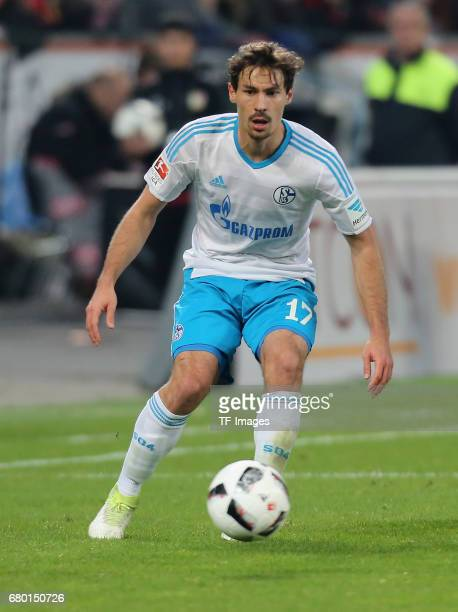 Benjamin Stambouli of Schalke controls the ball during to the Bundesliga match between Bayer 04 Leverkusen and FC Schalke 04 at BayArena on April 28...
